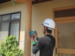 木柱サンダー掛け工事