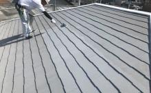 愛知県西尾市碧南市岡崎市安城市外壁超低汚染無機フッ素塗装屋根ガイナ塗装色褪せクラック汚れシール割れ屋根中塗り2回目